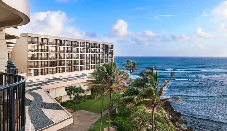 Beauty In Nature Blue Built Structure Cloud - Sky Hawaii Horizon Over Water Outdoors Palm Trees Plant Resort Resort Hotel Scenics Sea Sky Turtle Bay