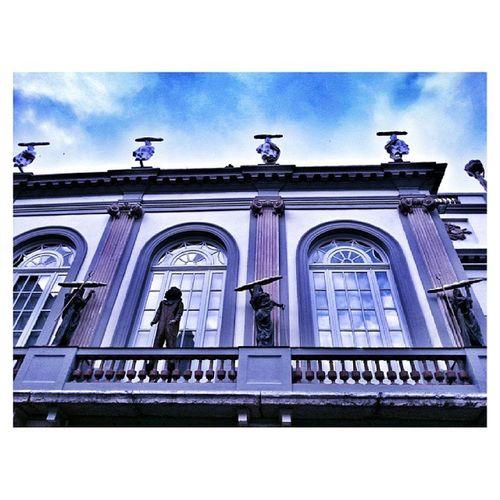 Premis adjunts al concurs Photodalicatessen. Etiqueta com a màxim dues imatges captades a l'entorn del museu Dalí de Figueres amb Instadalicatessen Photodalicatessen pots guanyar fantastics premis. Bases a: http://ves.cat/hn0K Tens temps fins el 15 de novembre!!