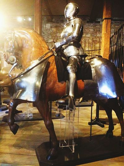 horse knight london museums brown war queen