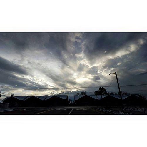I'm always looking at the sky. Dreamonlittledreamer Sky Sunsets Clouds Afewmoredays Enjoythelittlethings Nature