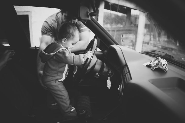 10 Month Baby At Home :) Baby Baby At The Wheels Baby Driving Baby Eyes Baby Girl Baby Hand Baby In The Car Babygirl Babyhood Box In Baby's Hand Car Curiosity Curious Exploring Exploring New Ground Father And Daughter Fatherhood Moments Loving Not Branded Box One Year Old Baby People Portrait