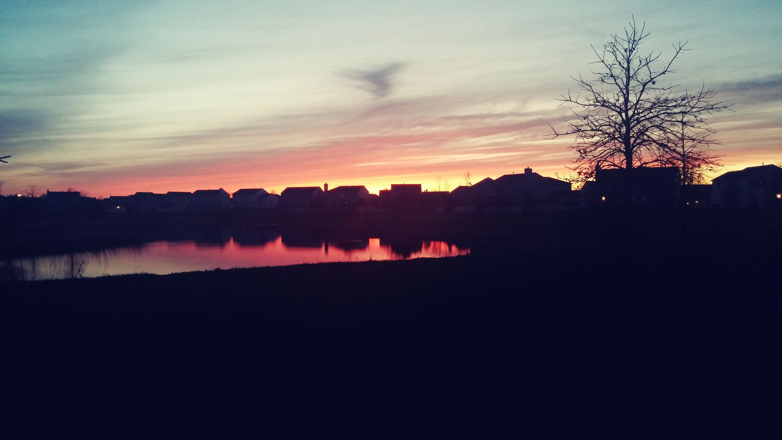 sunset, silhouette, sky, water, tree, scenics, tranquil scene, tranquility, beauty in nature, building exterior, lake, built structure, reflection, cloud - sky, architecture, nature, idyllic, cloud, river, dusk