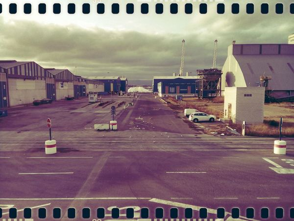 Industrial silence. Mobilephotography Pixi4 Lofi Pixlr Lowbudget No People Lumiocam Streetphotography Urban Urbanphotography Exploring Rust Old Places Summer Scenics Tranquility Harbour
