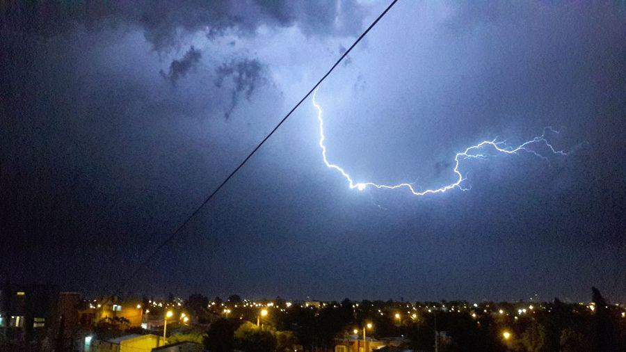 Tormenta Tormenta Eléctrica Rayos De Luz Rayo Ciudad