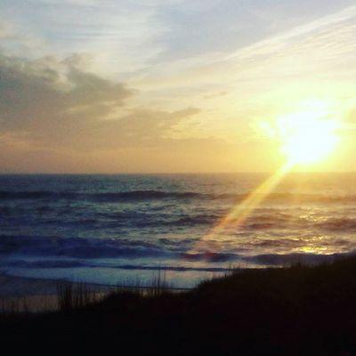Coucher de soleil le jour de Noël Soleil Sun Mer Ocean Saintgillescroixdevie Vendée Beach Sea Atlantic France Ciel Noël Christmas Coucherdesoleil