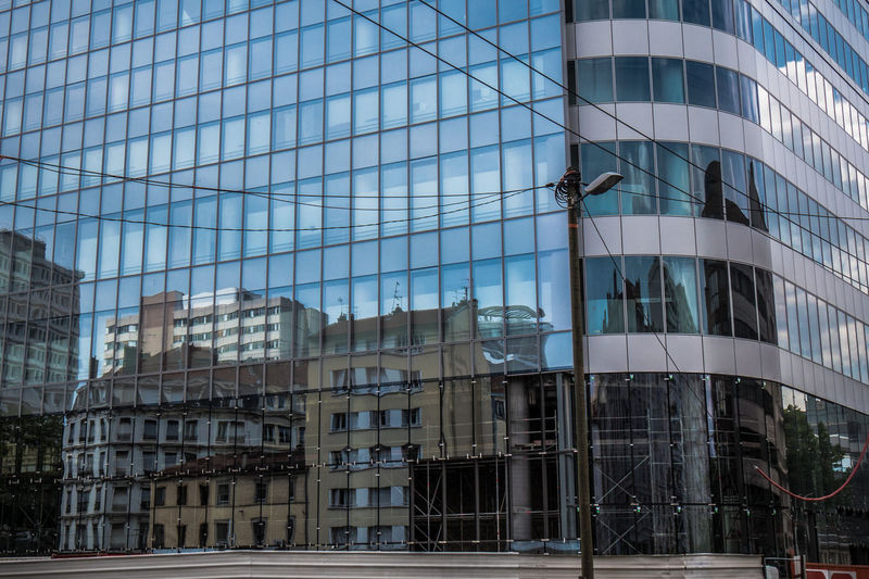 Le temps qui passe Architecture Cities City City Life Exterior Immeuble Lyon Lyon Part-Dieu Miroir Modern Moderne Office Building Old Reflection Time Tour Tower Towers Urbain  Urban Ville