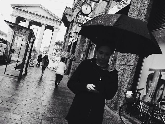 How's The Weather Today? The EyeEm Facebook Cover Challenge EyeEm Bnw Blackandwhite Monochrome Streetphotography