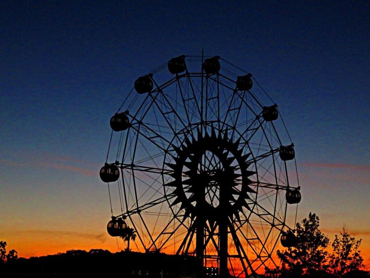 Ferris Wheel Ferris Wheels Sunset Sunset_collection Sunset Silhouettes Sunsetlover かしいかえん 観覧車 Majichour Beautiful Sky