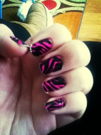Gotta do my nails again !!
