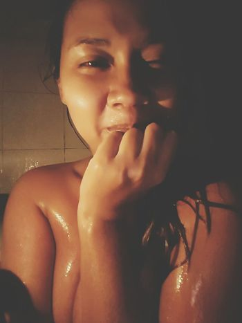 When you want some thing romantic.. Candle in the bathroom is good choice! Bath Time Only Women Light And Shadow Shower Sexygirl Sexyeye Todays Hot Look
