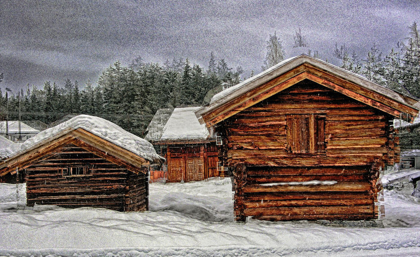 Snow Architecture Cold Temperature Built Structure Building Exterior Winter Tree Building House Wood - Material Log Cabin Plant No People Hut Nature Beauty In Nature Day Covering Frozen Snowing Outdoors Cottage Cabin Extreme Weather Snowcapped Mountain