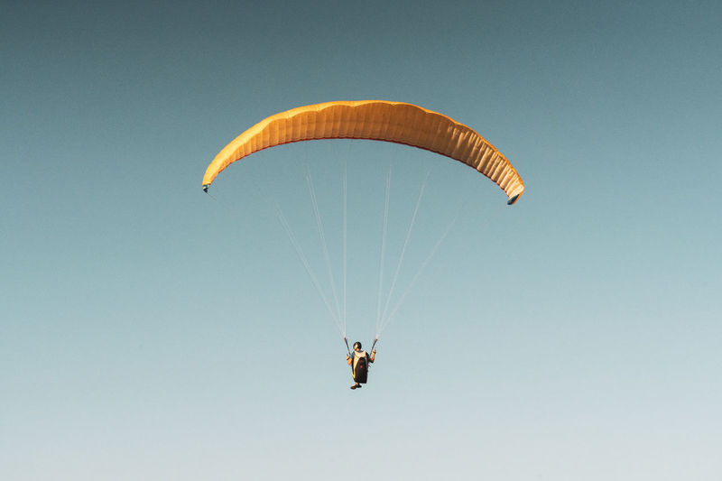 Paraglider in