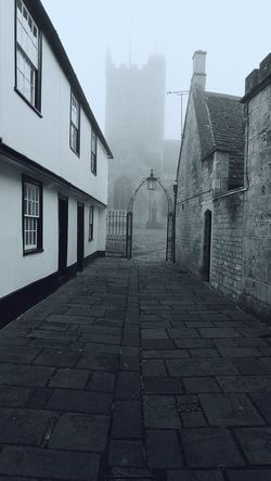 Misty Misty Morning Devizes Church Graveyard Cobblestone Cobbled Streets Huaweiphotography HuaweiP9 Building Exterior Architecture Outdoors No People My Year My View The Great Outdoors - 2017 EyeEm Awards