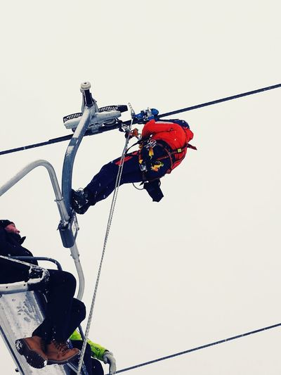 Low Angle View Outdoors Gondel Sessellift Winter Rescue Rescue Team Bergrettung Training Snow Ski Lift Ski Skiing In Austria 👌 Skiing ❄ Mountain Mountain Rescue