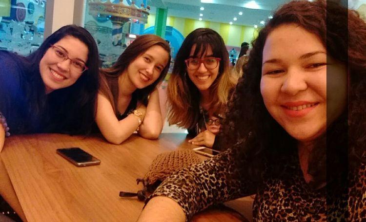 New Friends Travel Selfie Happiness Smiles Enjoying Life Snapchat