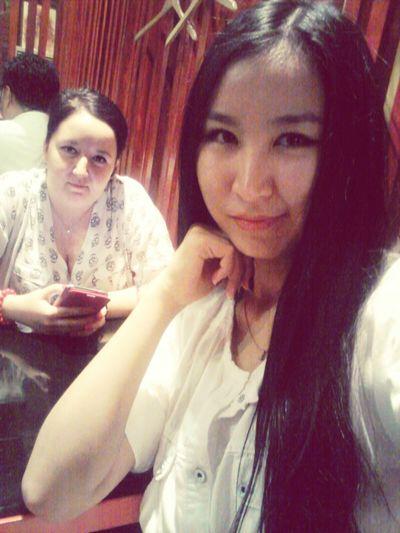 вкусно покушали в нашем любимом ресторане Eating Selfie Relaxing With My Friend