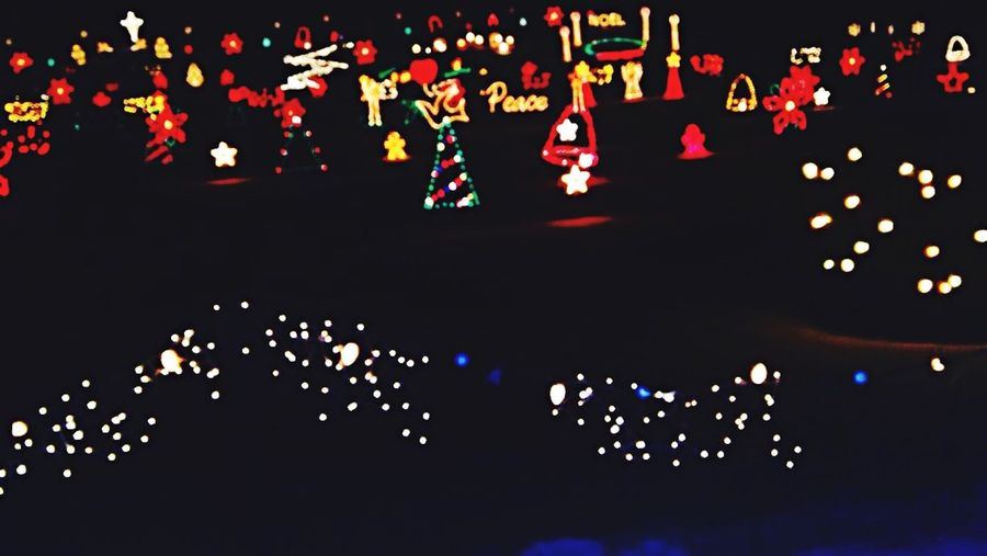 Lights❤️? Christmas Lights Christmas Lights Merry Christmas! Hanging Out Check This Out Taking Photos Hello World Enjoying Life Hi!