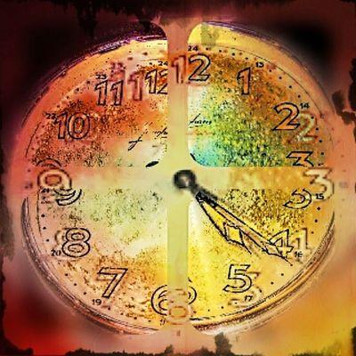 Made with Pixlr Pixlrcollage Mik Ikozosseg Vscocam Sajatkep Myphoto Clock Colorful Time InstaPlace Instahun Instamagyarorszag Art Arte Ig_photo Ig_hun Vintage Vintageart Interiordesign Zeppelin Watch Instawatch Oldies