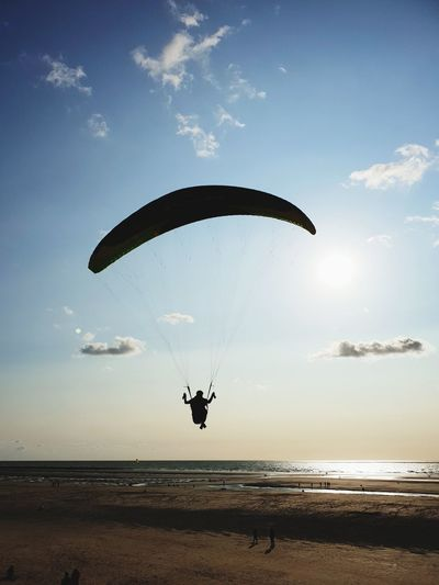 Water Sea Flying Beach Paragliding Sunset Mid-air Full Length Sand Blue Parachute Seascape Coast Horizon Over Water Low Tide