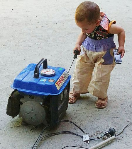 Engineer of Modren with one hand and in other hand the most wanted machine MOBILE hhhhh