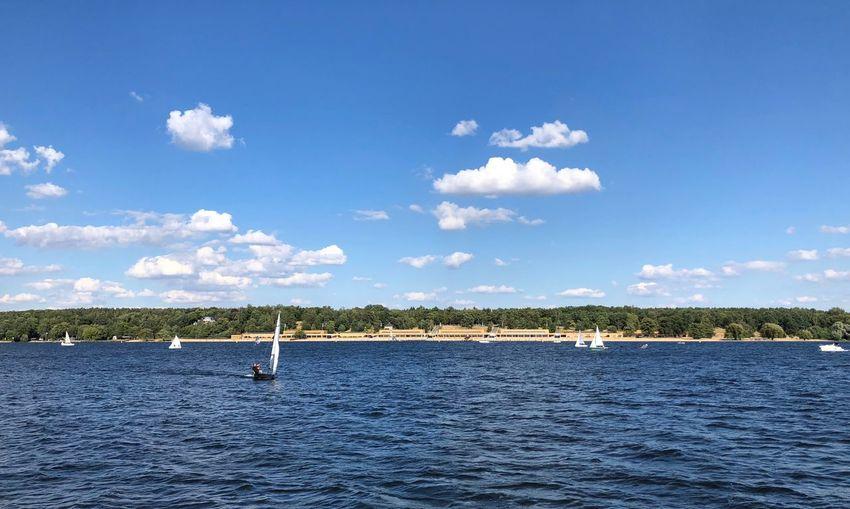 Jeden Tag sitz ich am Wannsee Und ich höre den Wellen zu. Ich lieg hier auf meinem Handtuch, Doch ich finde keine Ruh! Beauty In Nature I'm On A Boat Idyllic Nautical Vessel Sailboat Tranquility Transportation Waterfront