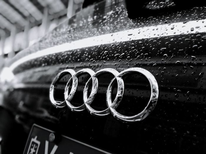 Mein Automoment Audi ♡ Love For Cars Rainy Day The Circle Of Life Black And White Monochrome Audi My Favorite Photo