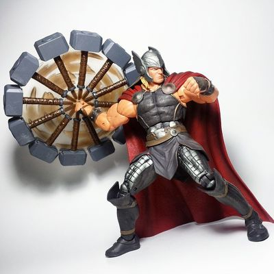 This Thor is AMAZING! Hands down the best Thor figure ever. It's a Marvel Select that beats Marvel Legends in sculpt, paint, AND articulation! Thor  Odinson Thorodinson Mjolnir Asgardian Asgard Disney Disneystore Diamondselect Marvelselect Actionfigure Toysarehellasick Toypizza Toyphotography Toyslagram Toyunion Toycollector Toycommunity Marvel Marvelcomics Mcu Marveluniverse