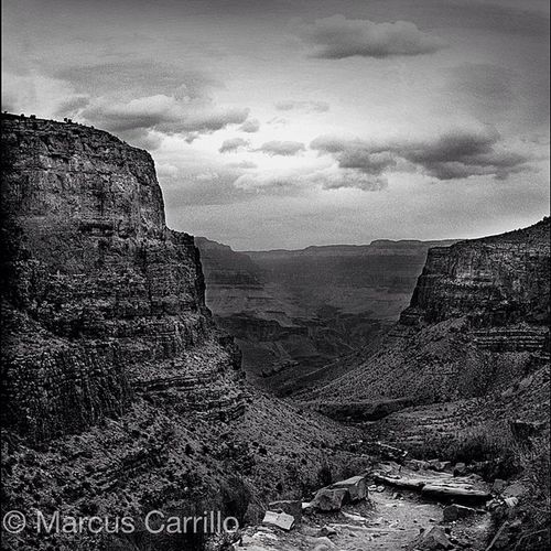 Bright Angel trail leading down to the Indian garden at the Grand Canyon. An old one I took when I had my BronicaSQ Filmphotography Grandcanyon Brightangeltrail landscapephotography tmax hiking