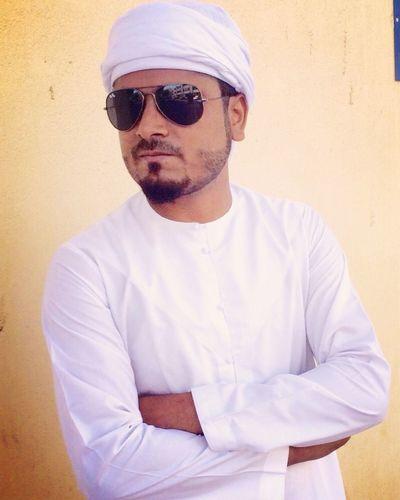 Looking Smart Dashing Charming 😜 with Arabic Cultural dress... Rayban Kandura Awesome Mood ....😇😎😊✌️❤️
