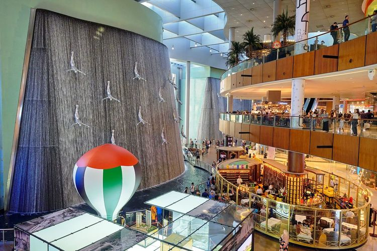 Curves, ellipses and squares.. Balloon Fun Mezzanine Shopping Mall Photography DubaiMall Cafetime Lighting Interior Geometry Waterfall Interior Architecture Built Structure Urban Scene My Best Travel Photo EyeEmNewHere