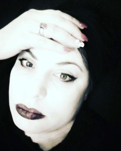 Ditemi perchè se la mucca fa mu, il merlo non fa me???? Looking At Camera Portrait Self Portrait Selfportrait Human Face Italiano Me, My Camera And I Look Into My Eyes... MeMyself&I