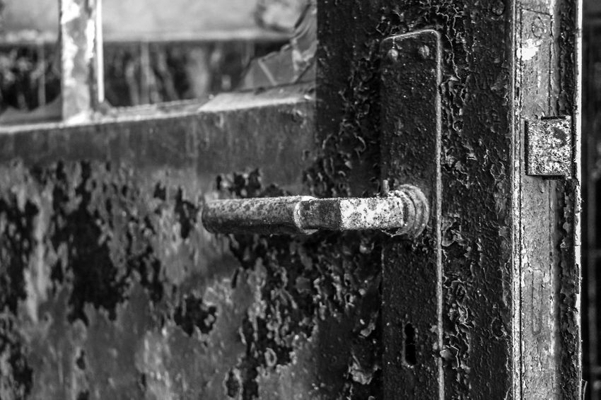 Leipzig Abandoned Close-up Damaged Day Door Focus On Foreground Lost Places In Leipzig Lostplace Lostplaces No People Outdoors Rusty Sternburgbrauerei Weathered