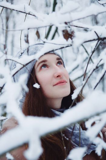 ❄️💖 Eyes Blue Eyes Girl Magical Nature Winter Nature Colour Portait Trees Warm Clothing Tree Snowflake Young Women Beautiful Woman Snow Portrait Cold Temperature Snowing Beauty Frozen