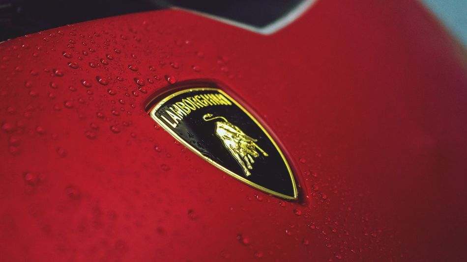 Huracan close up