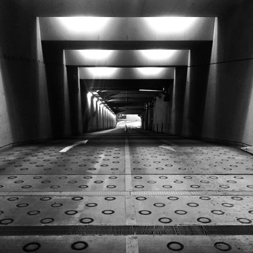 empty_2 B&w Tokyo Yurakucho Ginza Nightphotography Blackandwhite