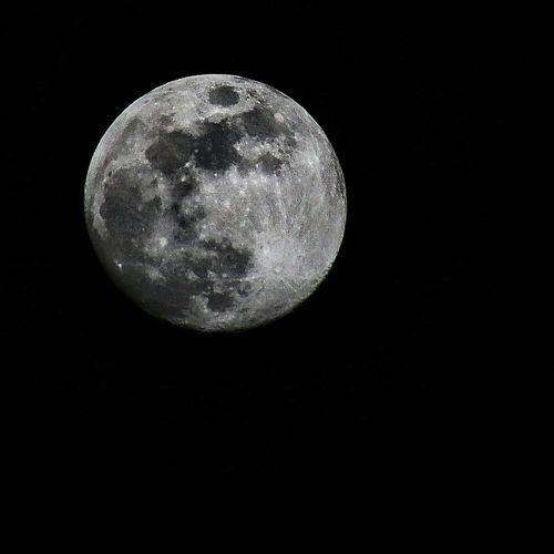 La nuit, FinistèreNord Bretagne Finistere Capture The Moment Goodnight je t'admire... Moon Night Full Moon Nature Ethereal Moon Surface Tranquility No People Astronomy Clear Sky Beauty In Nature Space Planetary Moon Black Background Outdoors Sky