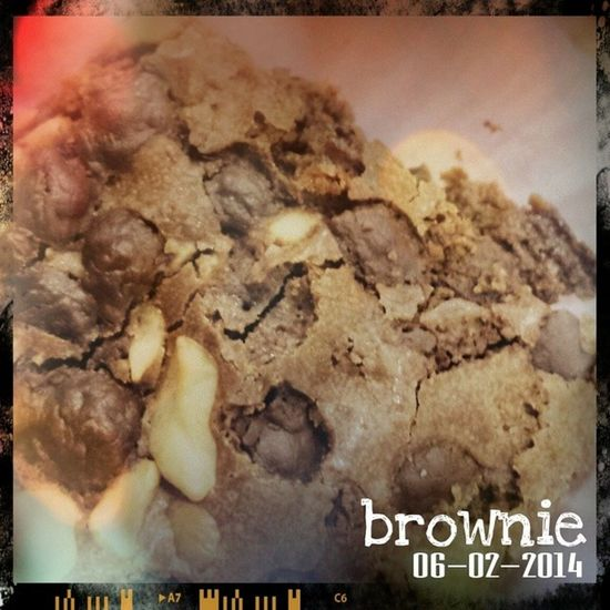 Brownie. Sweet way to end the night. ? 100happydays Vs100HappyDays Sweetnessoverload Sweettooth