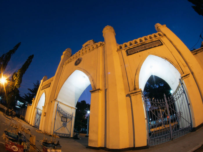Gateway of Surakarta Great Mosque Gateway Gate Building Night INDONESIA Historical Building Low Angle View Surakarta Buildings & Sky Kota Solo Great Mosque Of Surakarta Great Mosque Fisheye Blue Sky Night View Nightphotography Night Lights Night Photography Mosque Central Java Olympus Heritage Old Building  Buildings Architecture Religion Unique Architecture Place Of Worship Sky Architecture