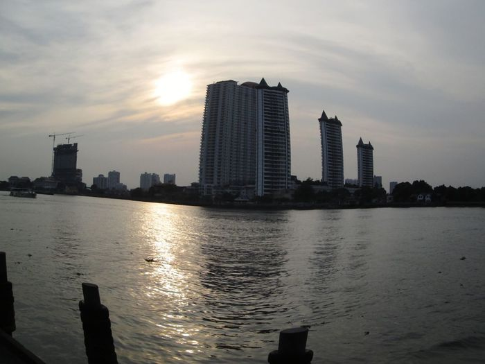 Sawasdee World. EyeEm Thailand ,Enjoy The River, Chao Phaya River Taking Photos Thailand_allshots .