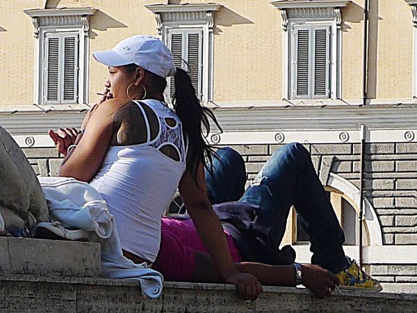 Streetphotography Enjoying Life Hanging Out In Rome Eye4photography