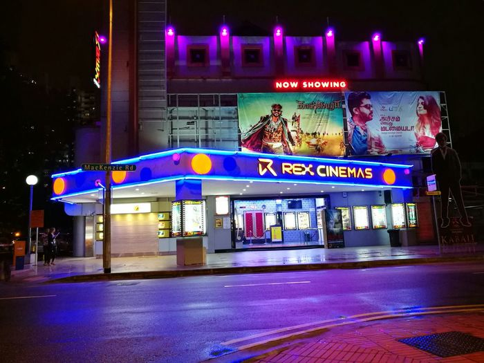 Cinema Paradiso EyeEmNewHere Cinema LittleIndia LittleIndiaSingapore Tamilmovie Bollywood Movie Theater Movies ColourPhotography Colour Photography Streetphoto Street Streetphotographer Street Photography Streetphotography Eyeemphotography EyeEmBestPics EyeEm Gallery EyeEm Best Shots EyeEm Architecture Building Exterior Built Structure Old-fashioned
