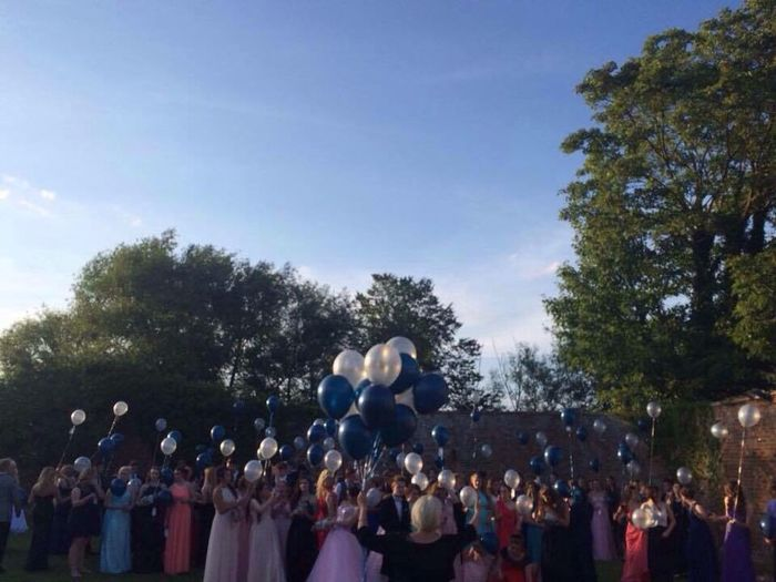 Prom ❤️ Prom Prom 2015 People Ballons Formal Style Pretty Mesmerizing HeartBreaking Mixed Emotions