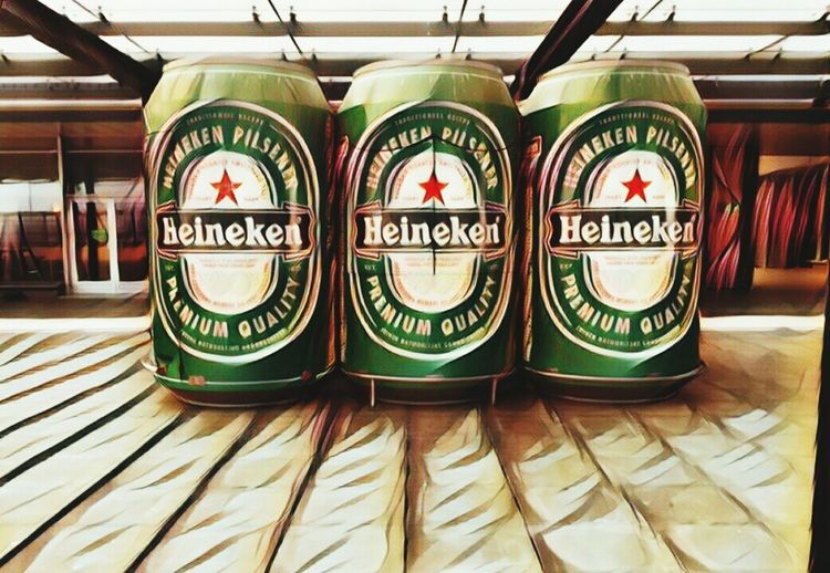 Green Color Heineken Logo Design Logo In A Row Beer Beer Cans Photoshop Creativity Front View Close-up Red Star Art Colors Still Life