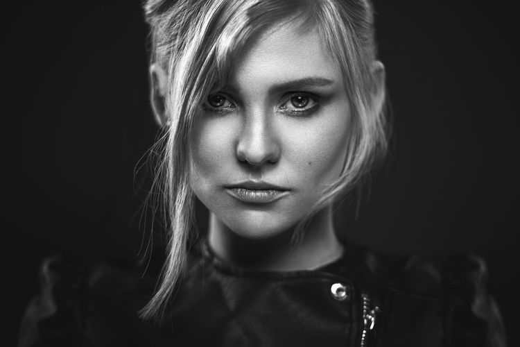 Florence Determination The Portraitist - 2018 EyeEm Awards Beautiful Woman Black Background Blond Hair Close-up Front View Headshot Human Face Looking At Camera One Person Portrait Real People Serious Studio Shot Women Young Adult Young Women