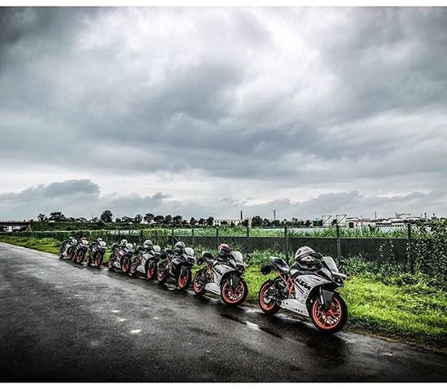Rc ReiTers🏁😍😉😎 Ktmworld Ktmclub KTMRacing Ktm Baby Bigboystoy Ktmrc390 Ktmrc200 Street Race Travel Fun Friendsride Motorcyclemafia Bikeswithoutlimits Bikestagram 😍😙😘😉😊
