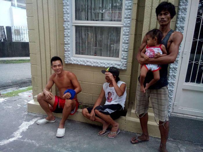 Филиппинские жители на кладбище... First Eyeem Photo