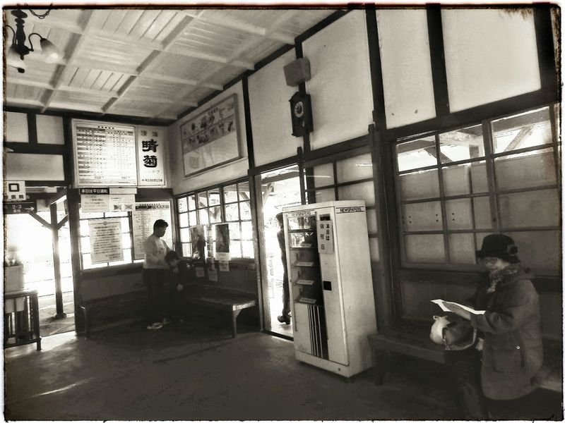 Because every picture tells a story......。| 長瀞 長瀞駅 レトロ レトロな建物 レトロなノイズシリーズ Nagatoro Nagatoro,saitama,japan Local Life Localscene Retro Retro Photography Retrorevival Retro Station Timeless Take Me Back Vintage At Its Best  From My Point Of View EyeEm Best Shots From My Perspective EyeEmNewHere EyeEm Gallery Full Frame Olympusinspired Olympus Photography