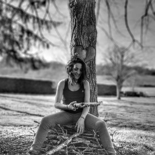 Sitting One Person One Man Only One Young Man Only Happiness Adults Only Tree People Only Men Young Adult Smiling Nature Outdoors Care Adult Day Swing Playing Huaweiphotoacademy Capturedonp9 I See Hearts Girlfriend Huaweiphotography Dontsnapshoot Blackandwhitephotography