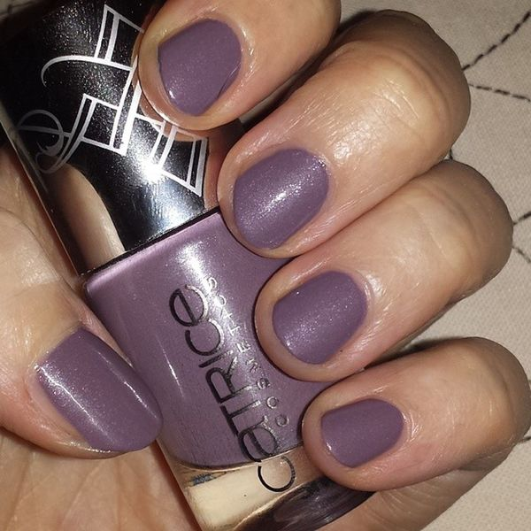 Paralilac from the @catricecosmetics Celtica Limited Edition ? Catricecosmetics Limitededition Celtica Paralilac notd nailoftheday nailstagram nailpolishaddict nailpolishaddiction nailpolishcollection nailpolishvictim instanails loveit bblogger beautyblogger nofilter