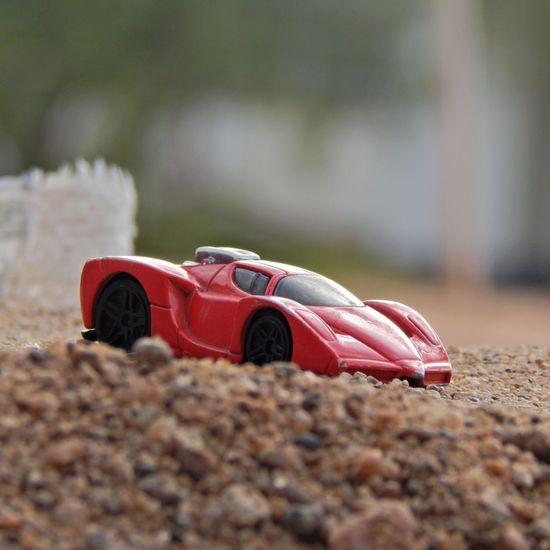 Enzo Ferrari Red Hot Wheels Minature Creativity